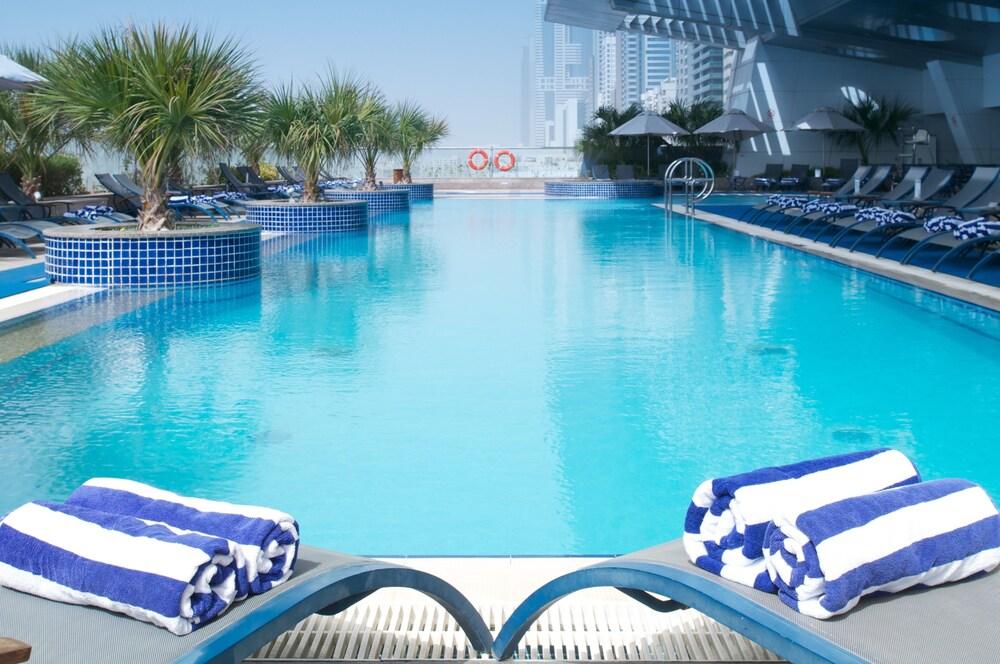 Hotel De Dubai Of Al Salam Hotel Suites Formerly Chelsea Tower Hotel