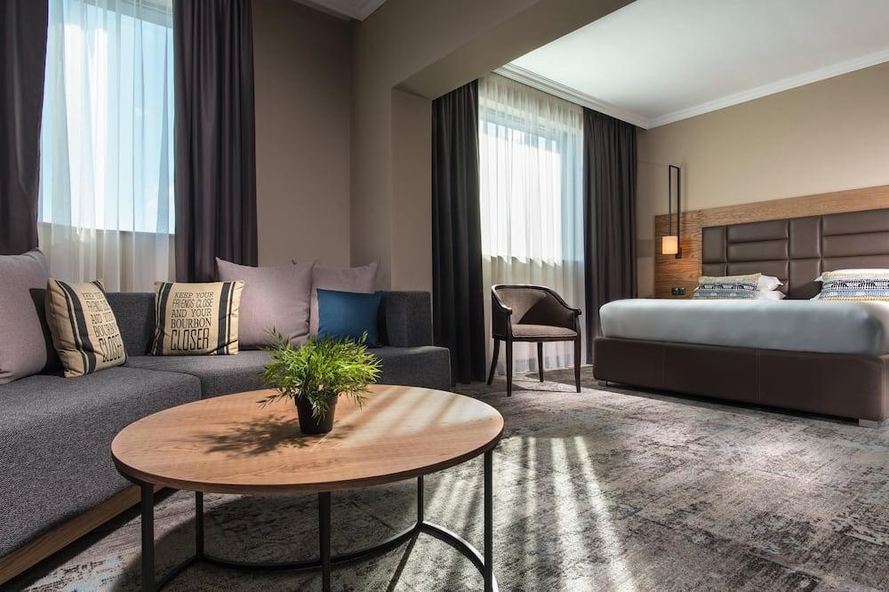 Suite, 1 Tempat Tidur King dengan tempat tidur Sofa (with Sofabed) - Kamar Tamu