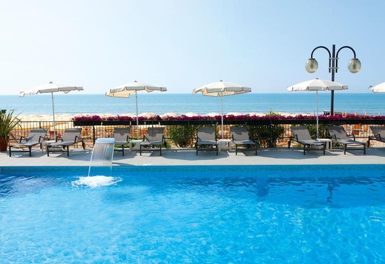 Hotel Victoria Frontemare, Jesolo, Outdoor Pool
