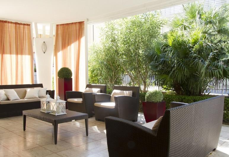 帕里奧利住宅飯店, 里米尼, 露台
