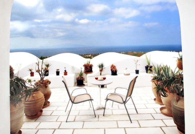 Muses Suites, Santorini, Maisonette (Seasonal Hot Tub), Balcony