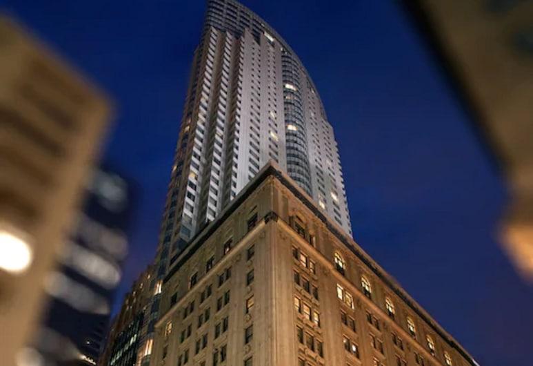 One King West Hotel & Residence, Toronto