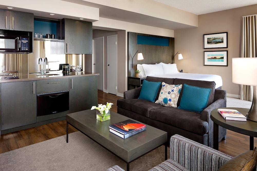 Book one king west hotel residence in toronto for 1 king west floor plans