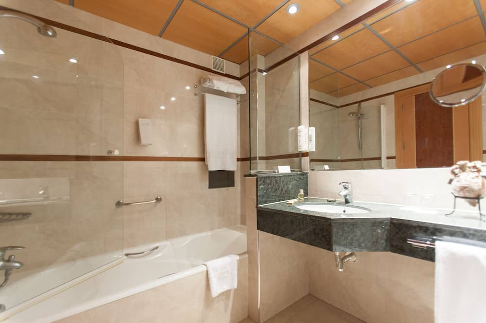 Standard Double Room (Parking included) - Bathroom