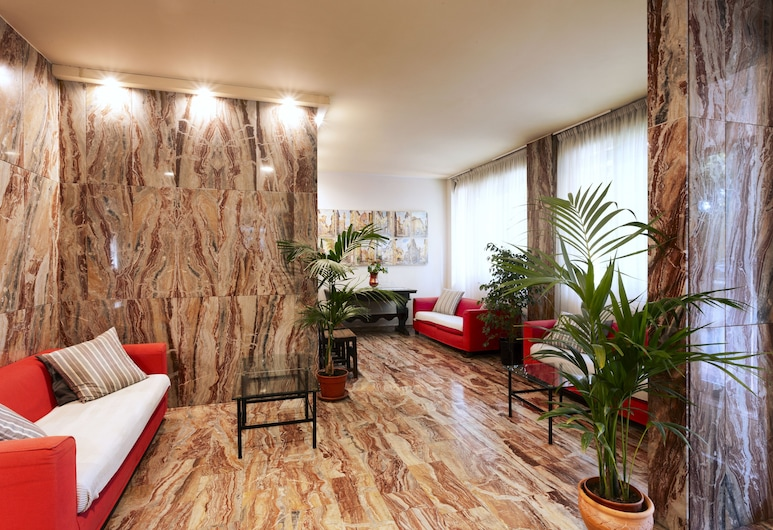 Hotel Corolle, Florence, Lobby Sitting Area