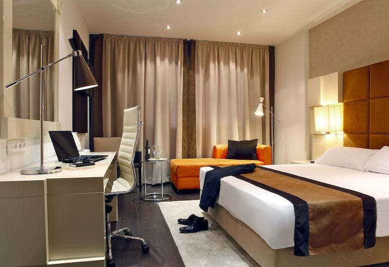 Holiday Inn Madrid - Las Tablas, Madrid, Executive-Zimmer, 1King-Bett, Nichtraucher, Zimmer