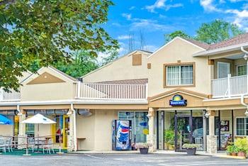 Picture of Days Inn by Wyndham Ridgefield in Ridgefield