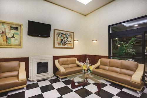 昆斯溫德姆拉昆塔酒店