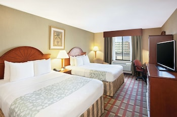 Picture of La Quinta Inn by Wyndham Queens (New York City) in Long Island City