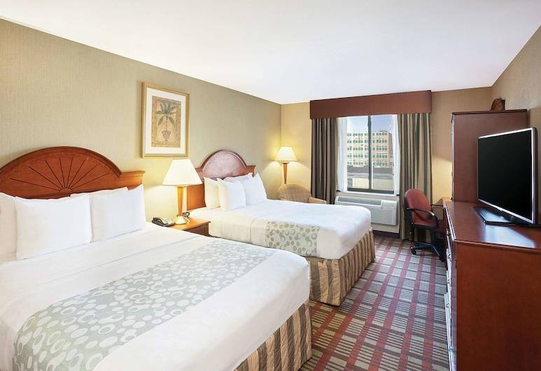 ลากินตาอินน์ บายวินด์แฮม ควีนส์ (นิวยอร์กซิตี้), ลองก์ไอร์แลนด์ซิตี, ห้องพัก, เตียงควีนไซส์ 2 เตียง, ปลอดบุหรี่, ห้องพัก
