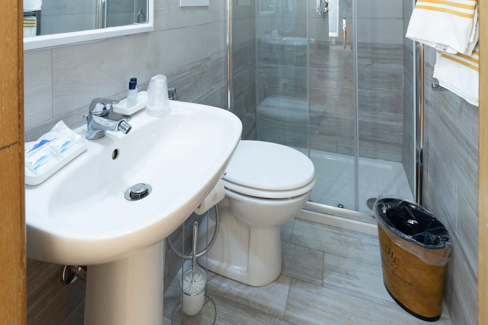 Kamar Double atau Twin, teras - Kamar mandi