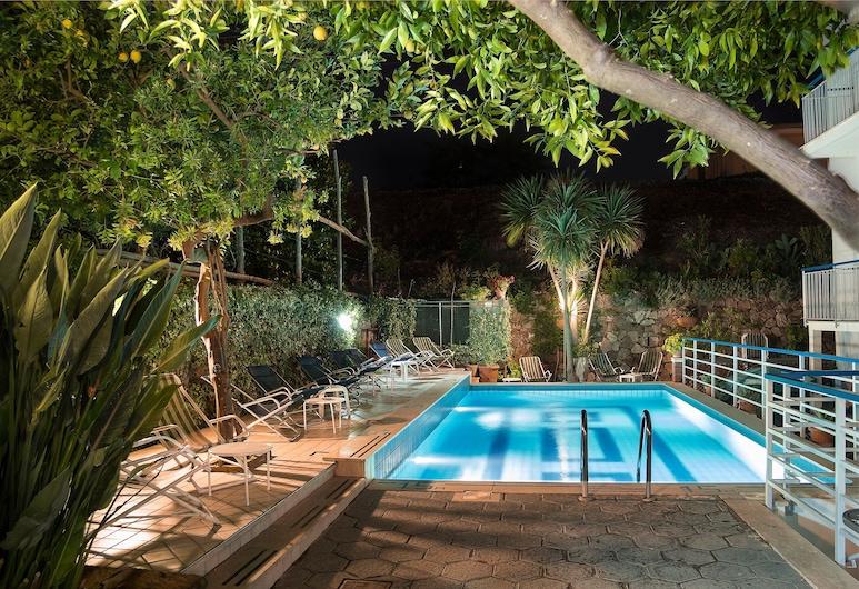 索倫托俱樂部酒店, 聖亞尼雅羅, 泳池