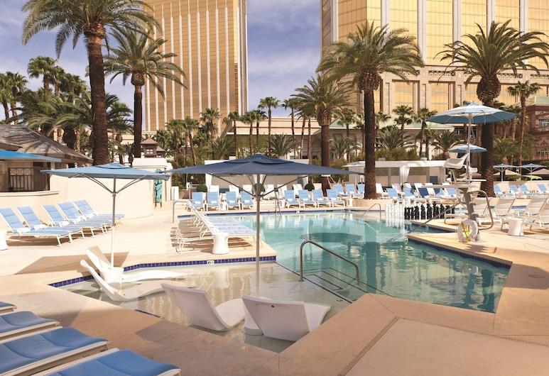 Delano Las Vegas at Mandalay Bay, Las Vegas, Pool