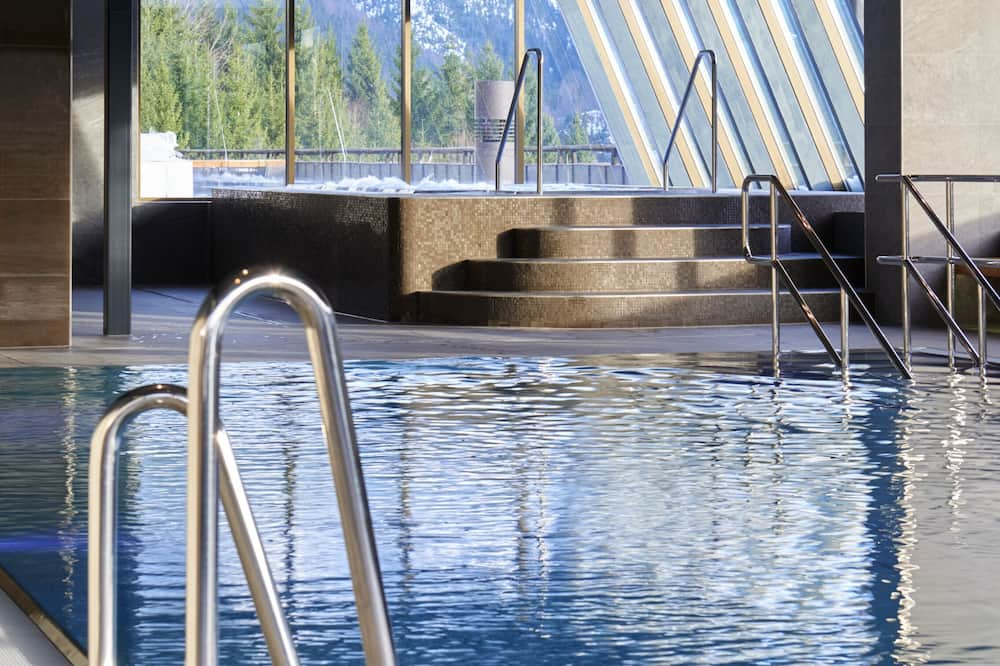 Indendørs pool