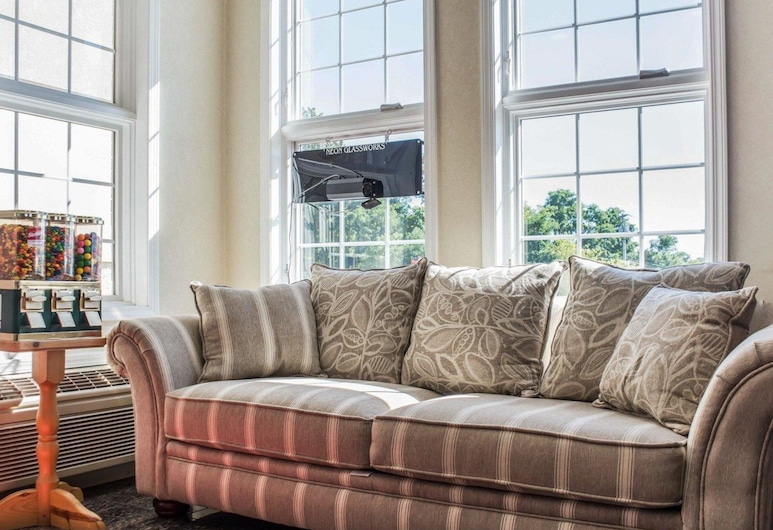 Econo Lodge & Suites, North Syracuse, Tiền sảnh