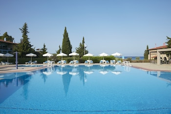 Picture of Simantro Beach Hotel in Kassandra