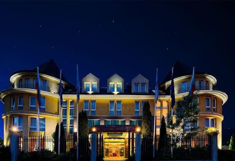 Maison Hotel, Sofia, Hotellets front – kveld/natt