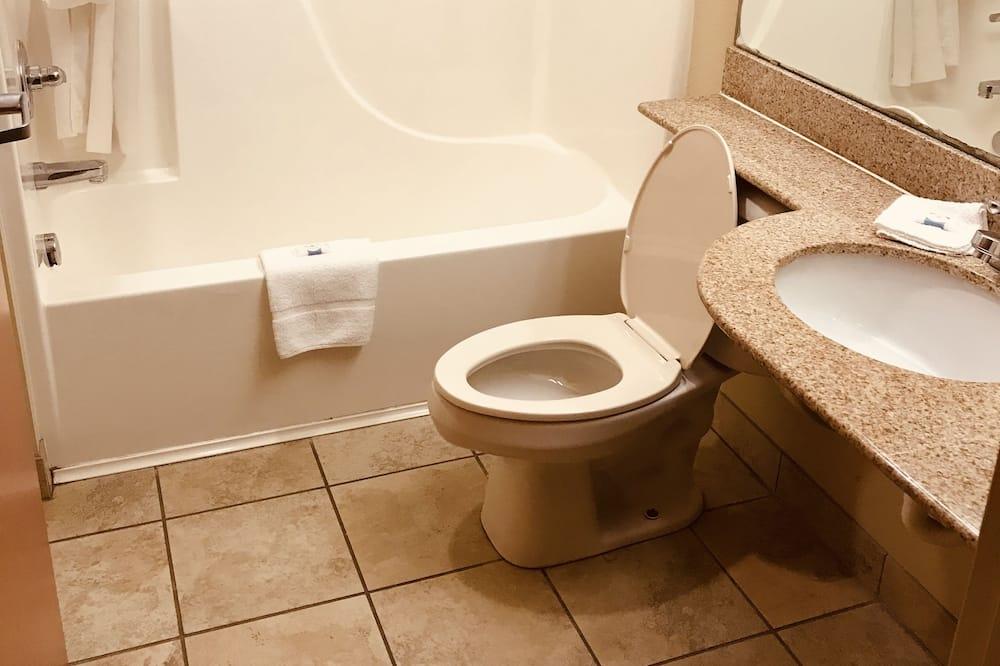 經濟雙人房, 2 張加大雙人床, 非吸煙房 - 浴室