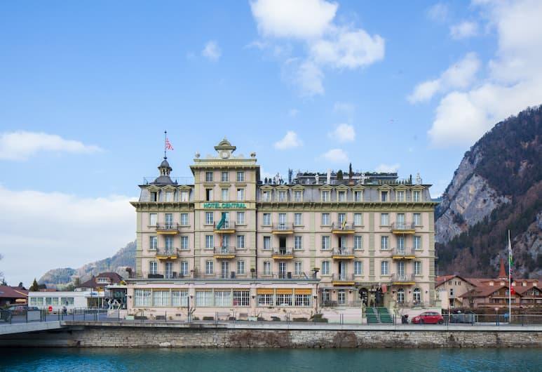 Central Continental Hotel, Unterseen, Hotelfassade