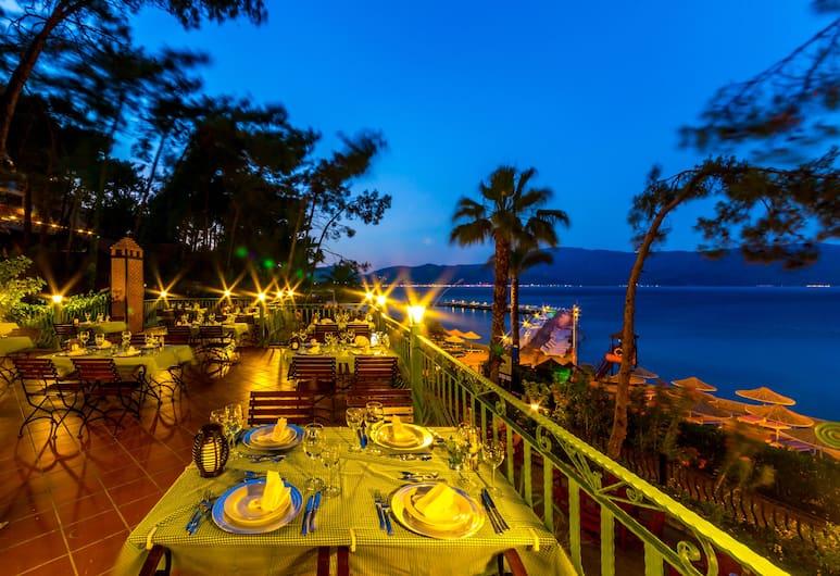 Grand Yazici Marmaris Palace - All Inclusive, Marmaris, Outdoor Dining
