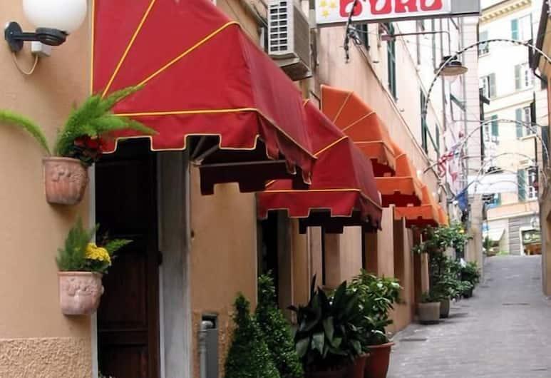 Hotel Agnello D'Oro, Genova, Ingang van hotel