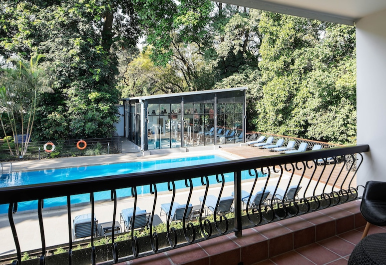 Four Points By Sheraton Arusha, The Arusha Hotel, Arusha, Executive Suite, 1 Bedroom, Pool View, Guest Room