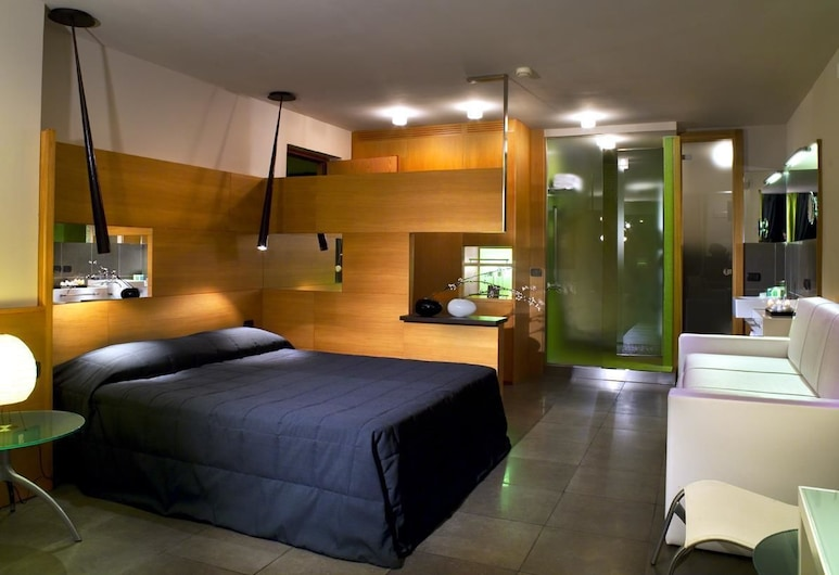 Hotel Zone, Rome, Superior Triple Room, Guest Room