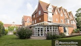 Book this Pool Hotel in Sittingbourne