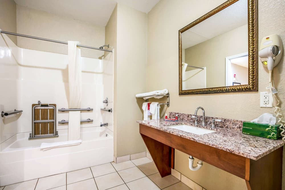 Pokoj, 2 dvojlůžka (180 cm), bezbariérový přístup, nekuřácký - Koupelna