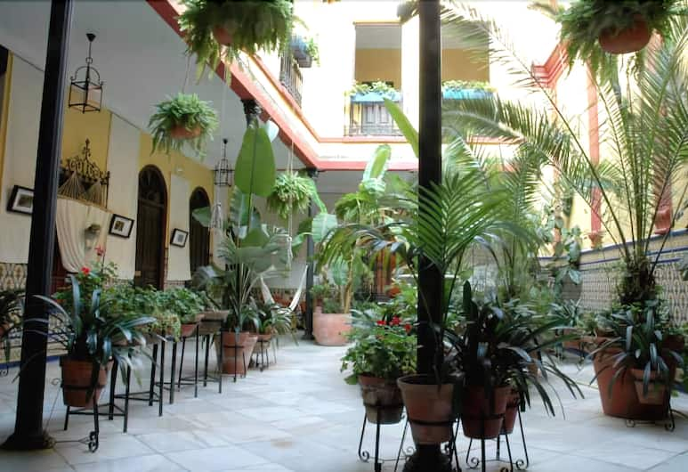 Casa de los Azulejos, Córdoba, Terrass