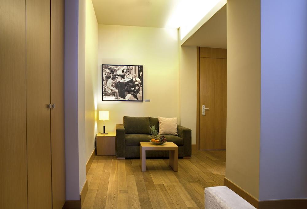 Book Lazart Hotel in Pavlos Melas | Hotels.com