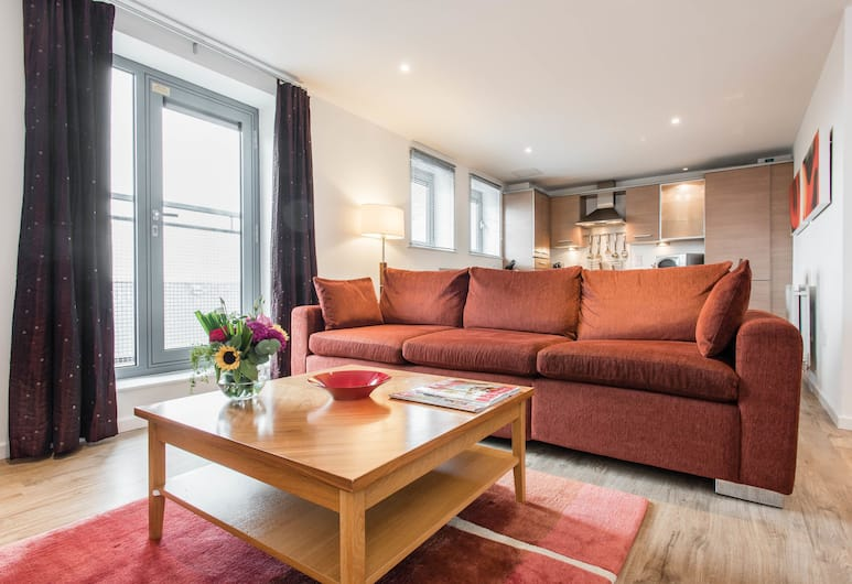 PREMIER SUITES Newcastle, Newcastle-upon-Tyne, Apartment, 2 Bedrooms, 2 Bathrooms, Living Area