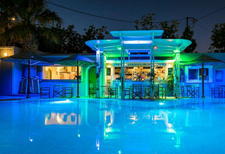 Hotel Zephyros, Santorini, Poolside Bar