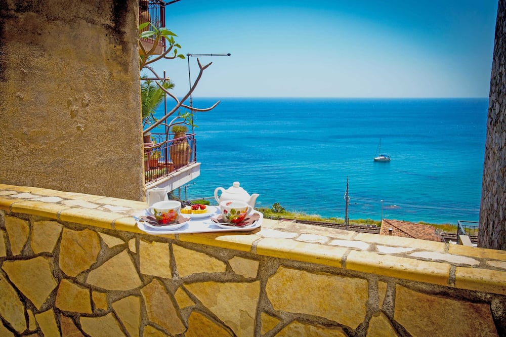 Triple Room, Balcony, Sea View - Guest Room