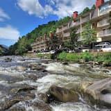 Gatlinburg River Inn