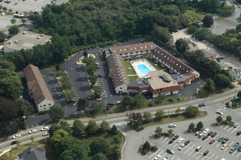 Admiralty Inn & Suites, Falmouth