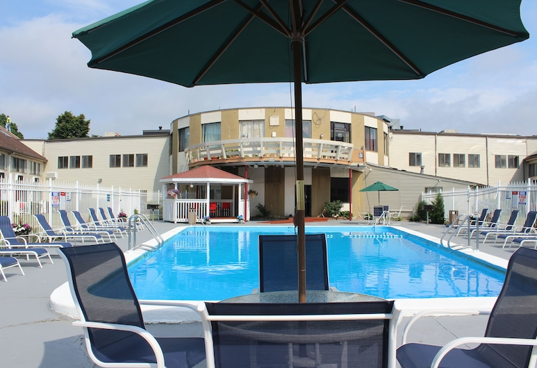 Admiralty Inn & Suites, Falmouth, Outdoor Pool