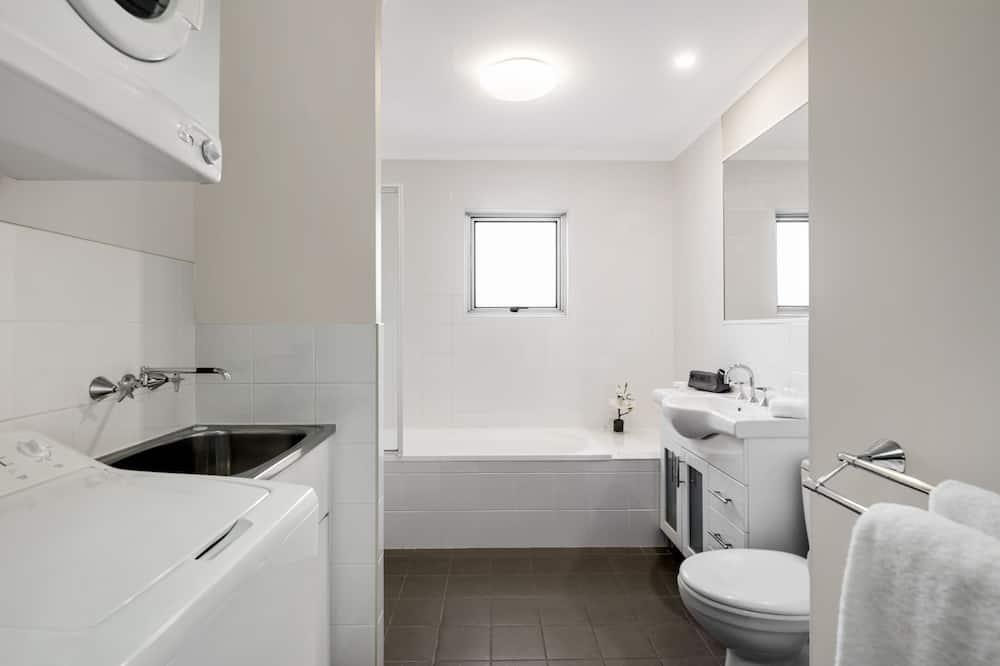 Standard Διαμέρισμα, 1 Υπνοδωμάτιο, Μη Καπνιστών, Θέα στην Πόλη - Μπάνιο