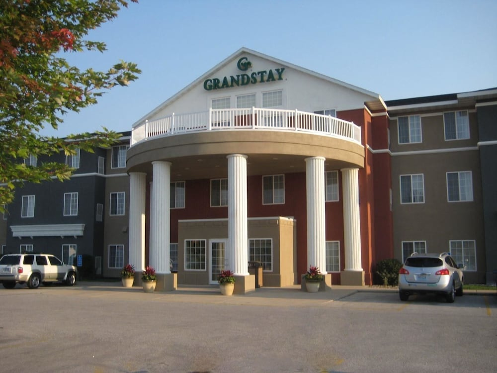 Grandstay Hotel Suites Ames