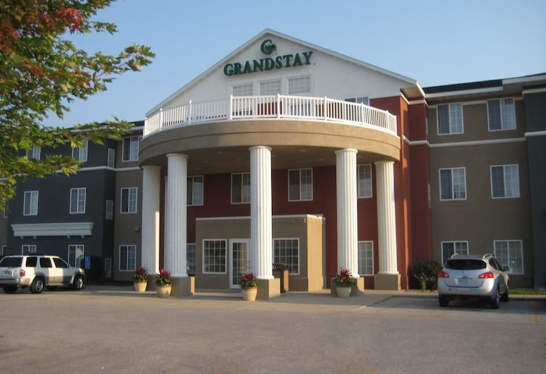 GrandStay Hotel & Suites, Ames