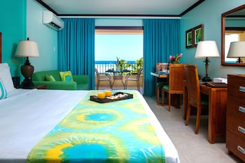St. Lawrence Gap bölgesindeki Yellow Bird Hotel resmi