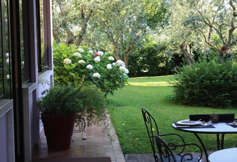 Hotel Clodia, Sirmione, Giardino