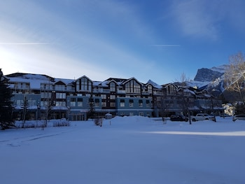 A(z) Sunset Resorts Canmore and Spa hotel fényképe itt: Canmore
