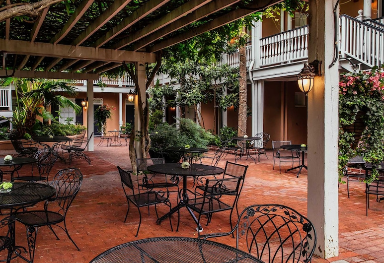 Elliott House Inn, Charleston, Terassi/patio