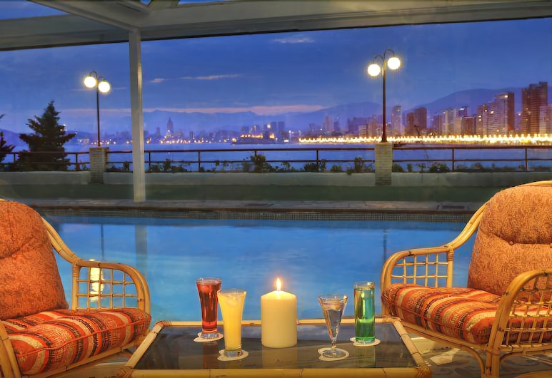Hotel Benikaktus, Benidorm, Poolside Bar