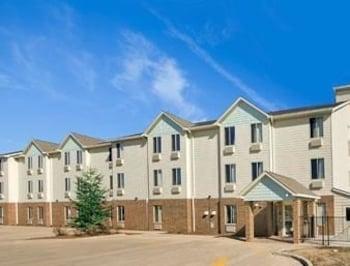 Foto Baymont Inn & Suites Jacksonville di Jacksonville
