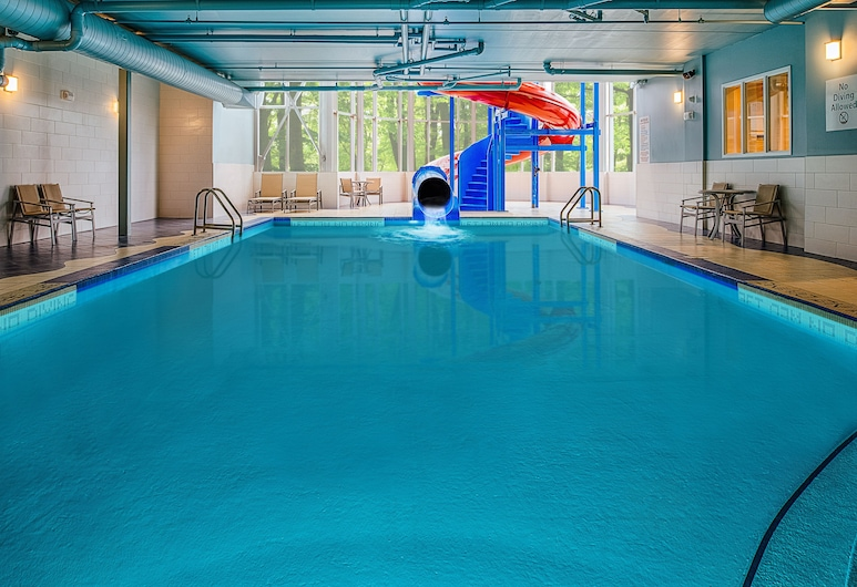 Holiday Inn Express & Suites Halifax - Bedford, Halifax, Pool