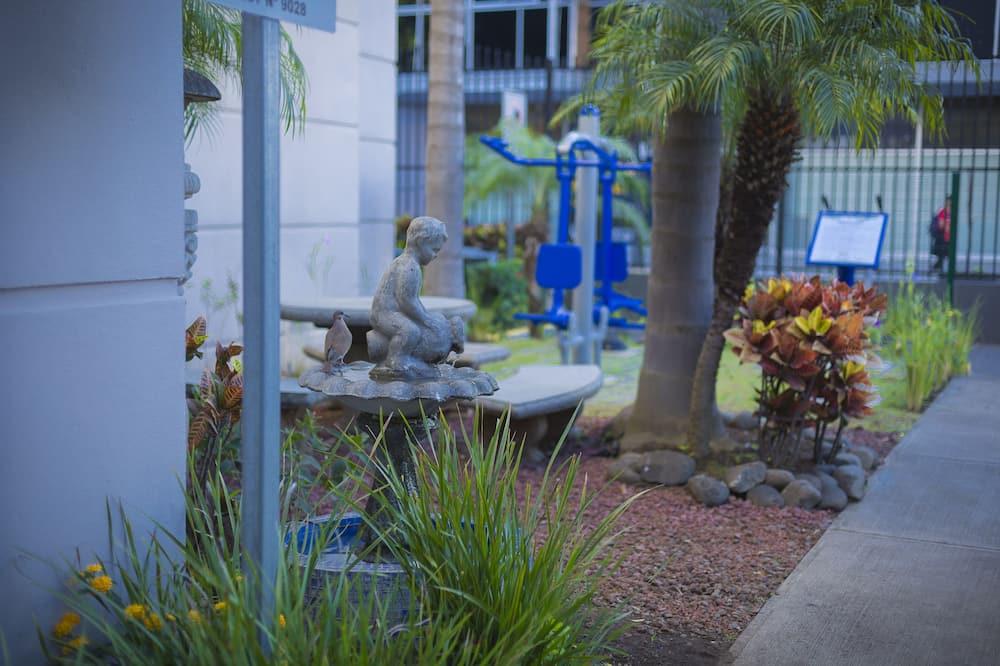 Habitación doble estándar, 2 camas dobles, para no fumadores - Vista al jardín