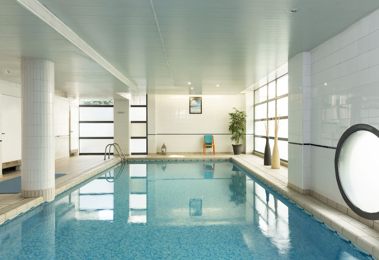 Aparthotel Adagio access La Défense Léonard de Vinci, Courbevoie, Alberca
