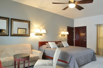 Choose This Beach Hotel in Hopkins -  - Online Room Reservations